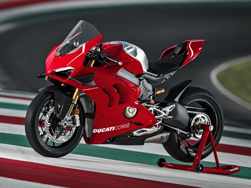 01 DUCATI PANIGALE V4 R ACTION UC69239 Mid